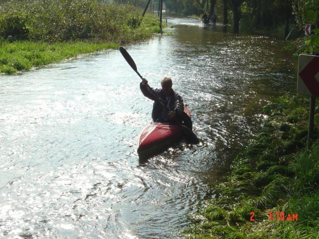 Straße am Tagebau, erstmals mit Boot befahren!
