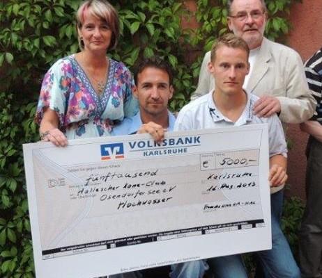 Spendenübergabe durch den Freundeskreis Karlsruhe – Halle