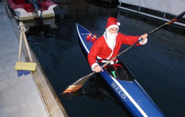 Wir haben den Weihnachtsmann gesehen, er ist schon unterwegs.